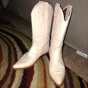 Vintage ladies cowboy boots *pale pink